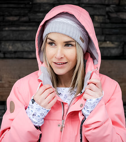 Find snow outerwear featuring a pink snowboard jacket from snow brand Rojo.
