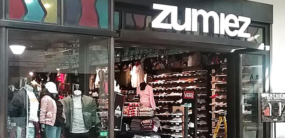 Zumiez Los Cerritos Ctr in Cerritos, CA Zumiez  Zumiez